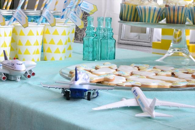 飛行機テーマの誕生日パーティー_4_R