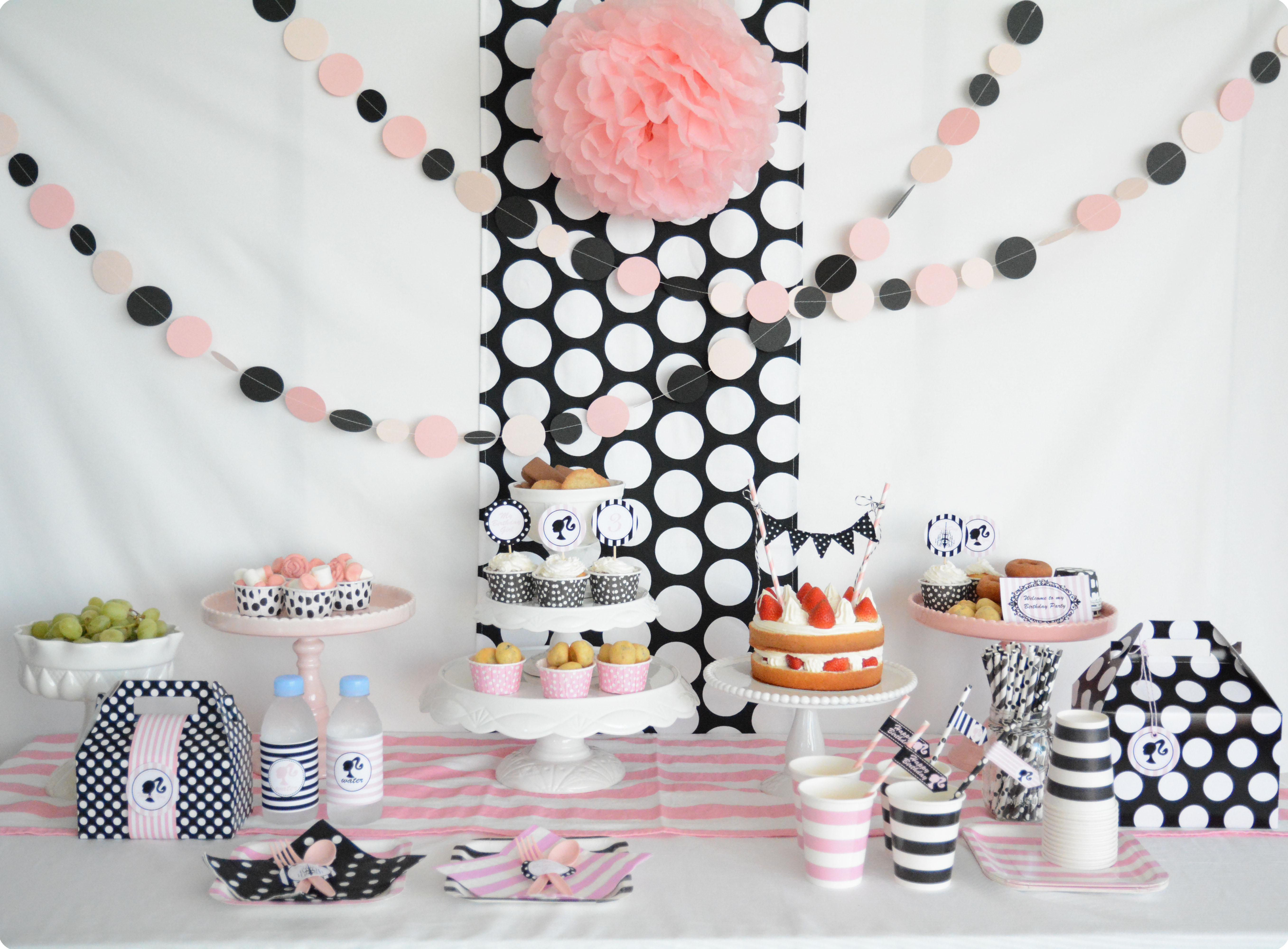 バービー テーマのお誕生日パーティー : Barbie Themed Birthday Party