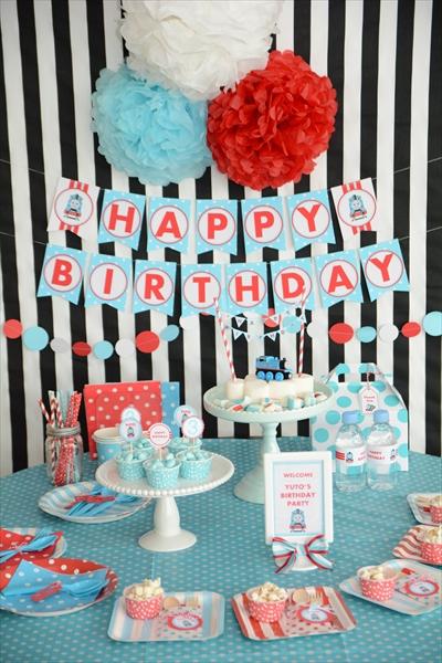 トーマス テーマのお誕生日パーティー : Thomas Themed 3rd Birthday Party