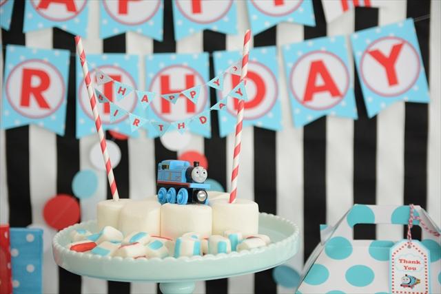 トーマスの誕生日パーティー_7_R