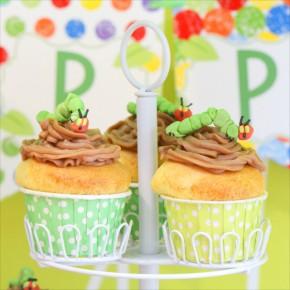 はらぺこあおむしテーマのバースデイパーティー : very hungry caterpillar themed birthday party